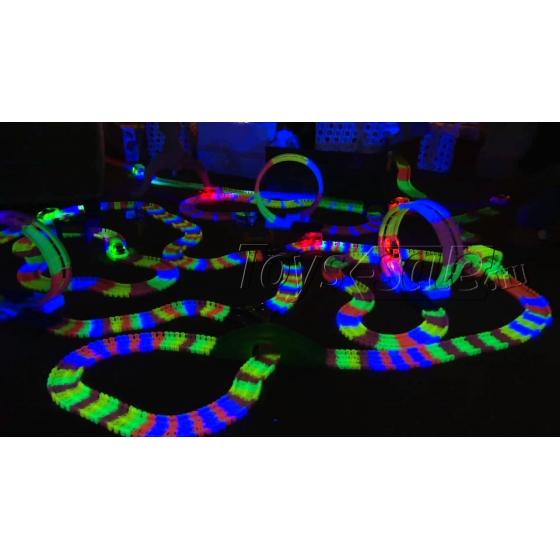 Гоночная трасса Magic Tracks 301 светящаяся Mega Set - 301 деталей + колесо и мост