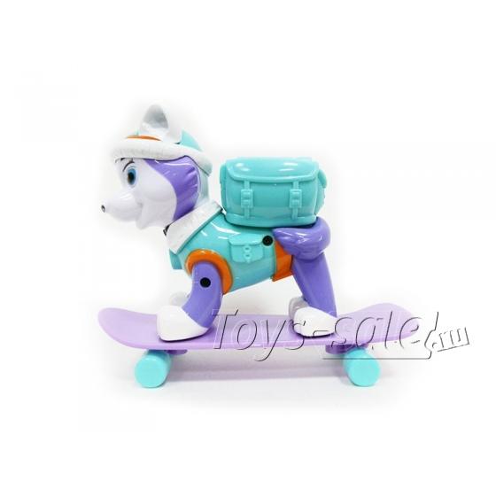Фигурка Эверест на скейте с рюкзаком (Щенячий патруль)